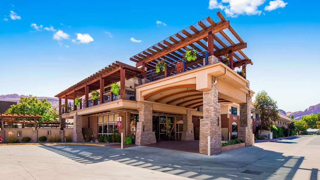 Best Western Plus Canyonlands Inn - Location, Location, Location - Centrally located in the heart of Moab, UT.