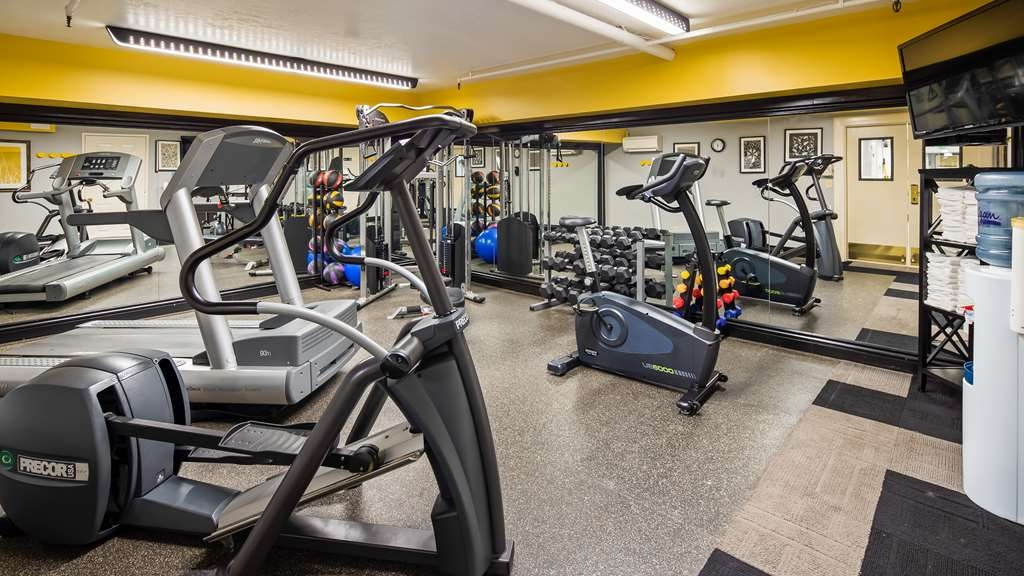 Best Western Plus Canyonlands Inn - Burn off some calories in the fitness center.