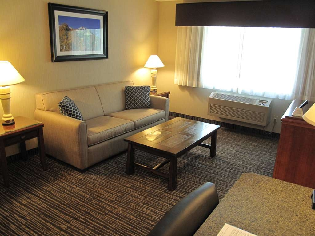 Best Western Timpanogos Inn - One Bedroom Family Suite
