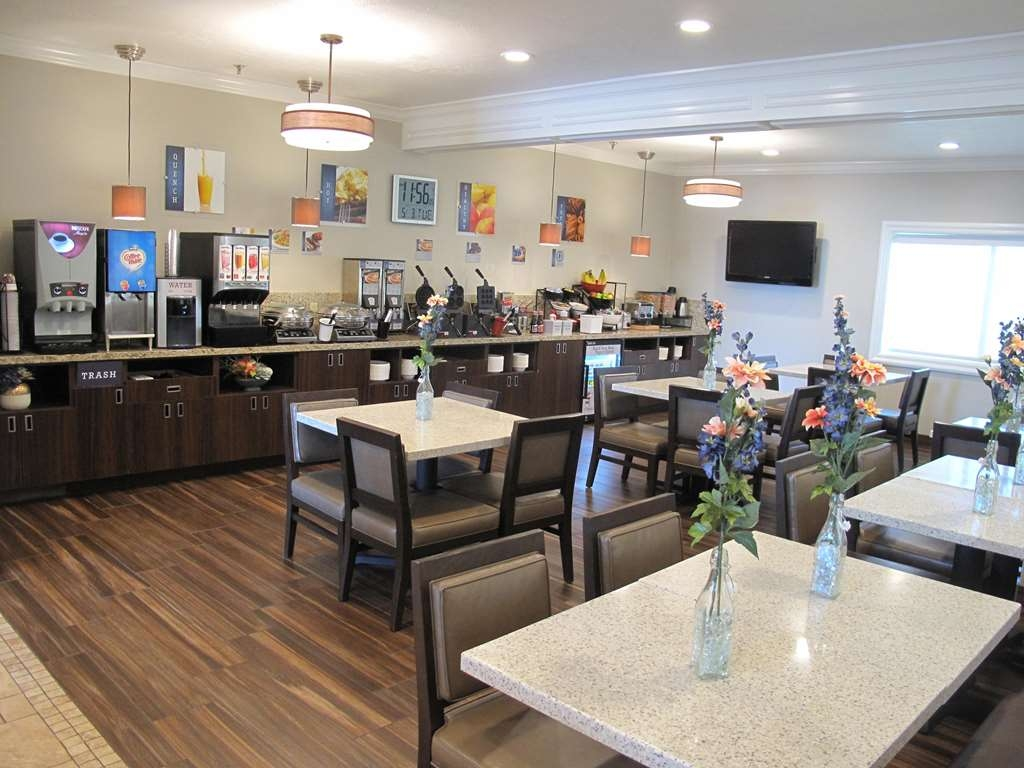 Best Western Timpanogos Inn - Join us for a delicious, complimentary hot breakfast buffet served every morning!