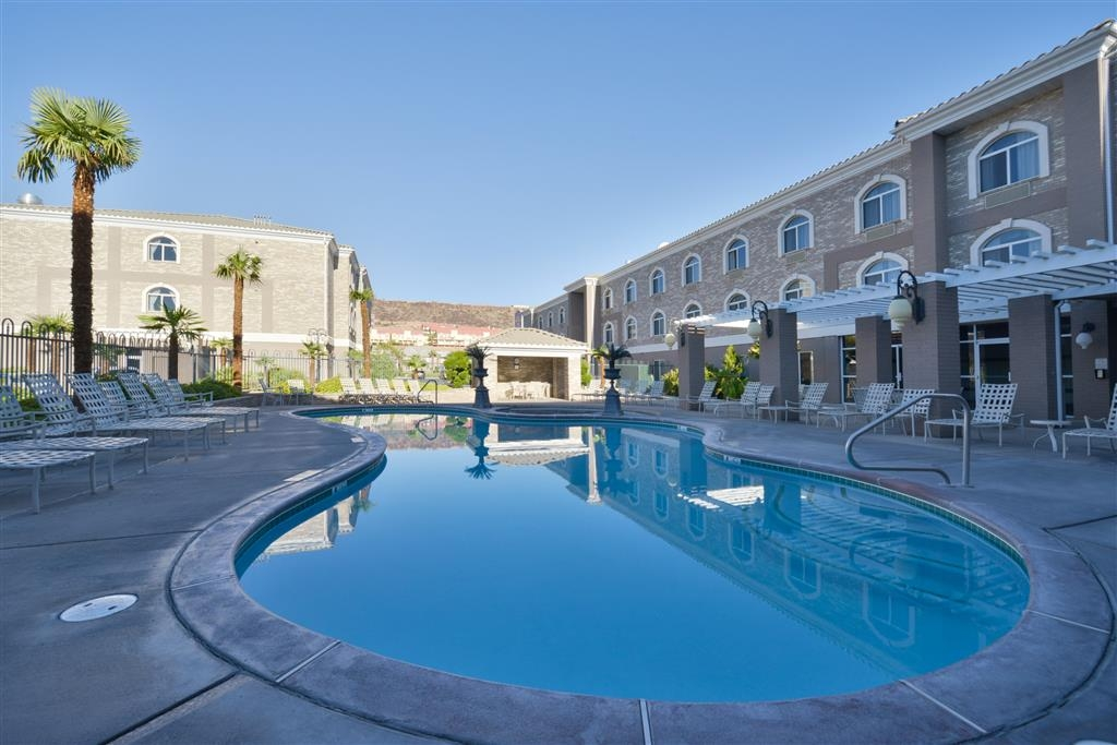 Best Western Plus Abbey Inn - Piscina