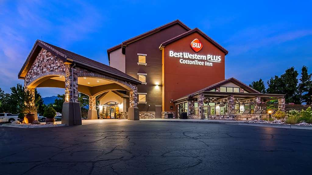 Best Western Plus Cotton Tree Inn - Aussenansicht