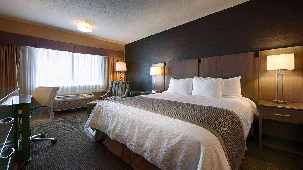 Best Western Plus Cotton Tree Inn - Enjoy a stay in one of our tastefully appointed guest rooms.