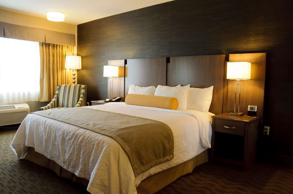 Best Western Plus Cotton Tree Inn - Warm and Inviting King Room