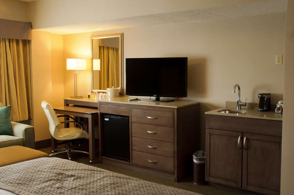 Best Western Plus CottonTree Inn - Executive King Guest Room