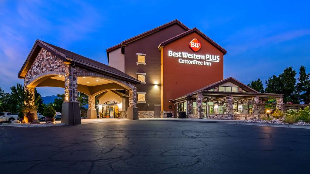 Best Western Plus CottonTree Inn - Façade