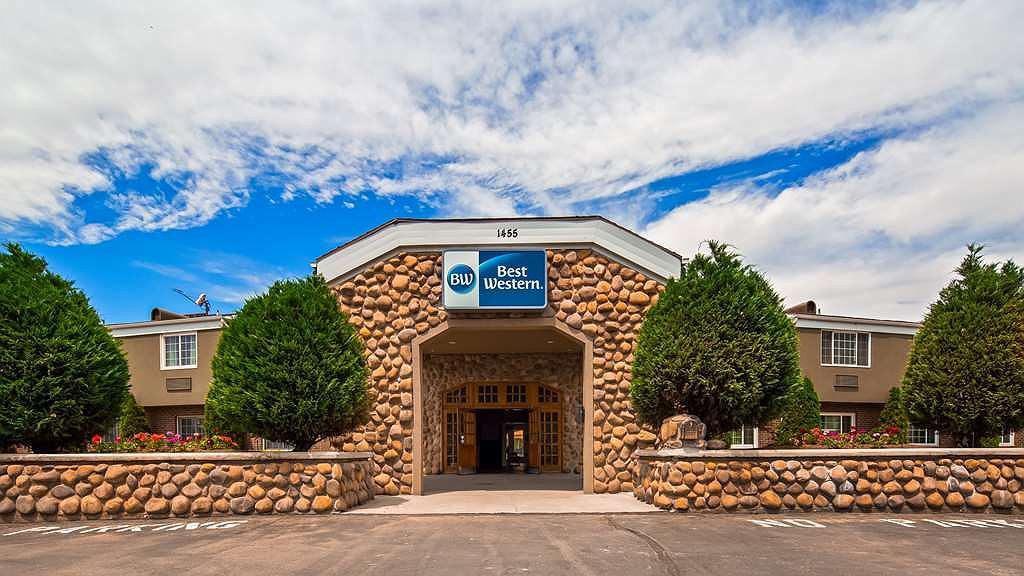 Best Western Mountain View Inn - Aussenansicht