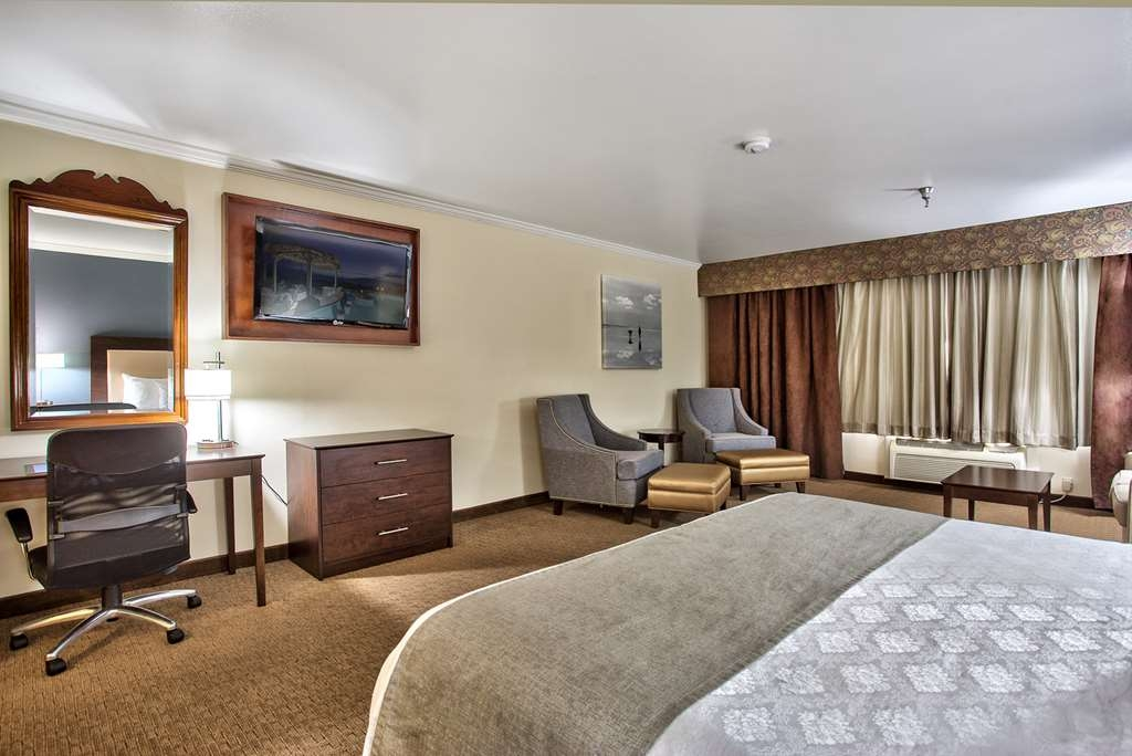 Best Western Mountain View Inn - Standard King Guest Room.