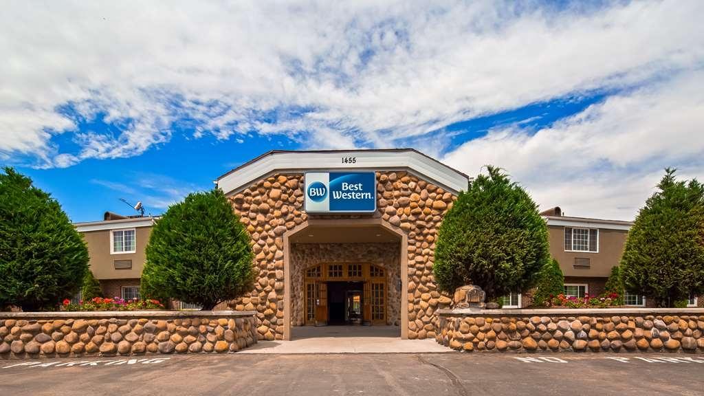 Best Western Mountain View Inn - Facciata dell'albergo