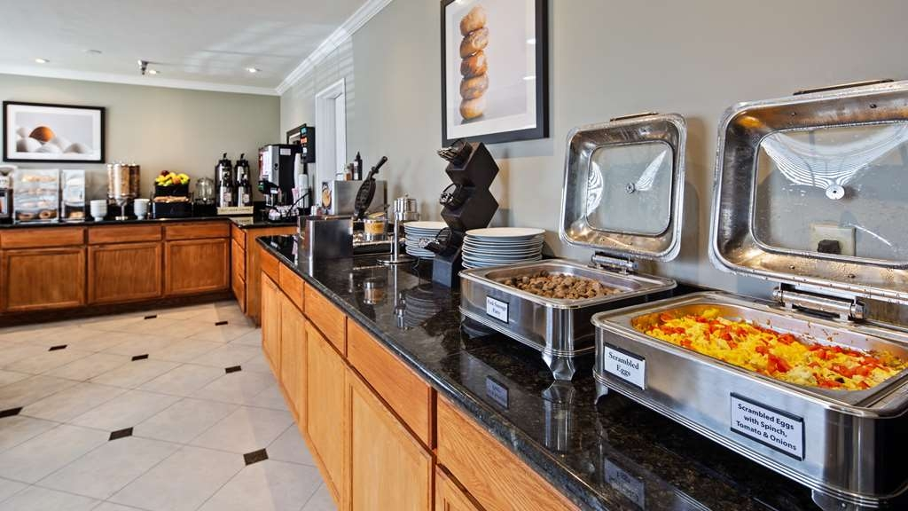 Best Western Mountain View Inn - Each morning we prepare a fresh and hot breakfast for our guests. We have a rotating menu in order to provide some variety for our multi night stay guests.