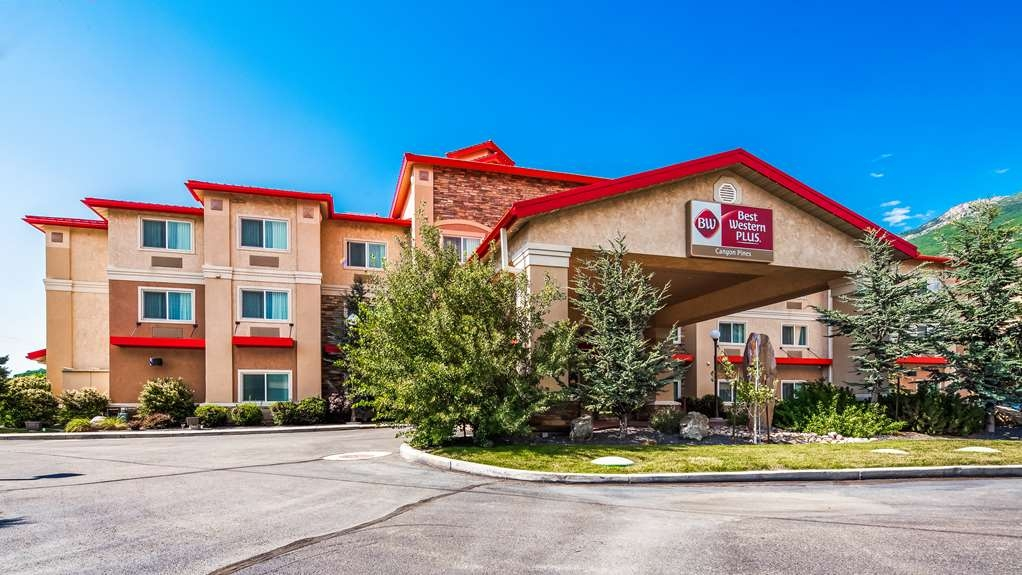 Best Western Plus Canyon Pines - Facciata dell'albergo