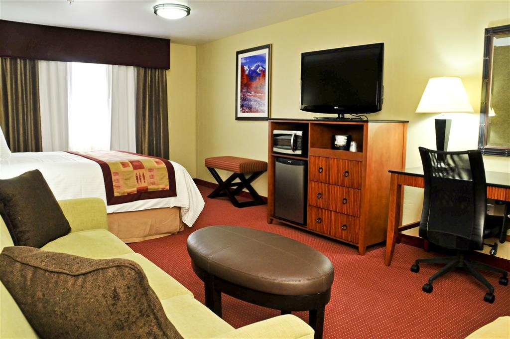 Best Western Plus Layton Park Hotel - You'll feel at home when you stay with us. Each room offers a microwave, mini fridge and more!