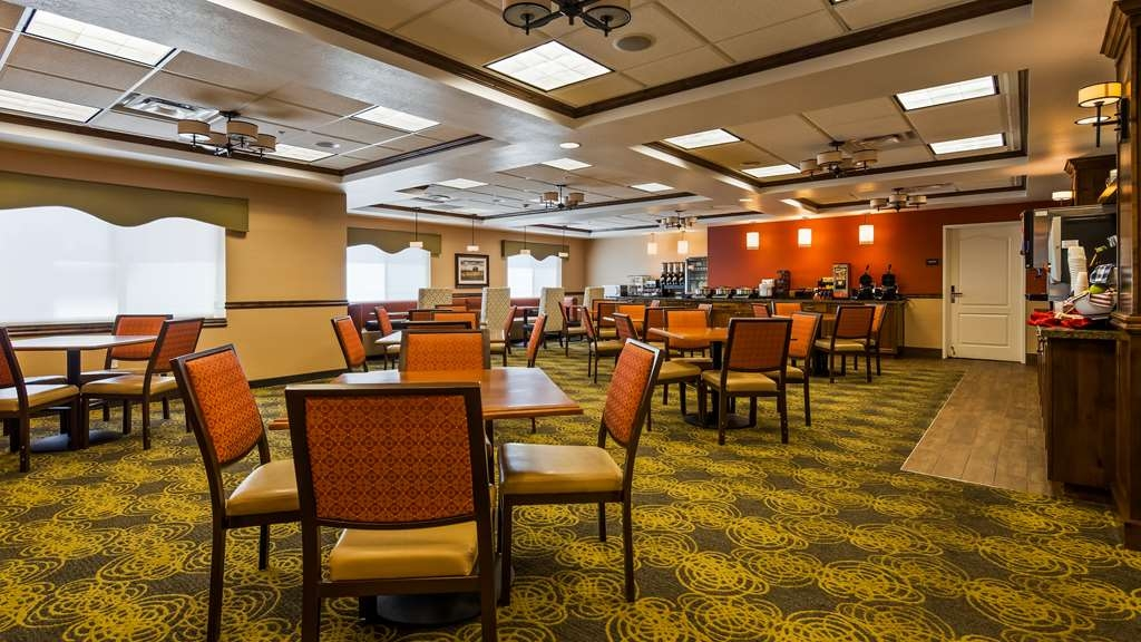 Best Western Plus Layton Park Hotel - Start your day right with our full hot breakfast!