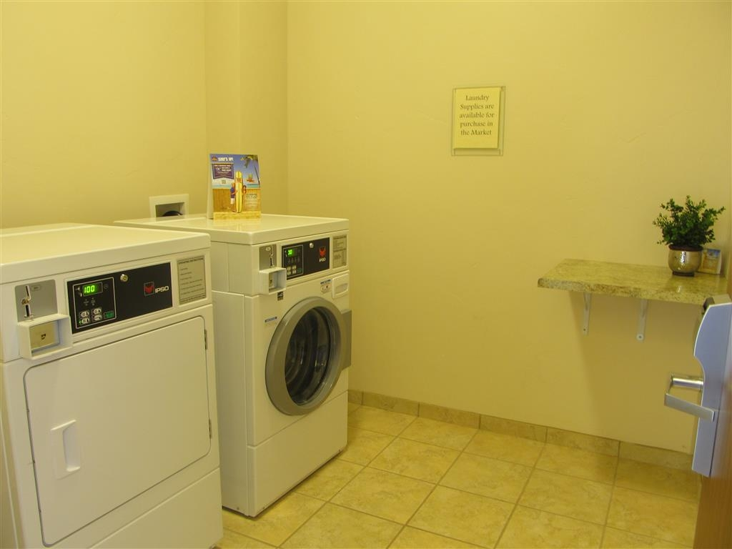 Best Western Plus Landmark Hotel - Guest Laundry Facility
