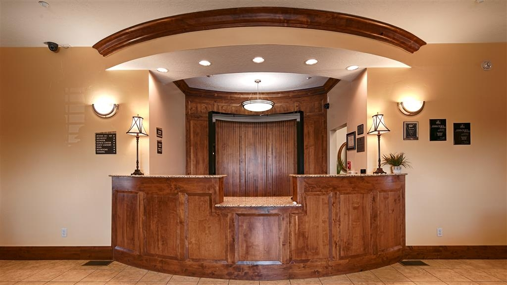 Best Western Plus Landmark Hotel - reception