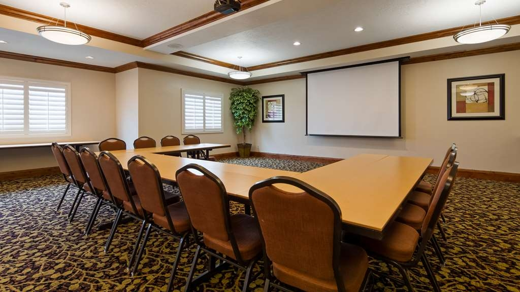 Best Western Plus Landmark Hotel - Salle de réunion