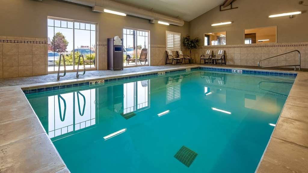 Best Western Plus Landmark Hotel - Vue de la piscine