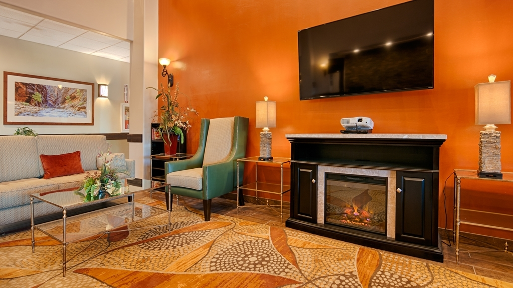 Best Western Plus Zion West Hotel - Our lobby is the perfect place to relax after a long day of work and travel.