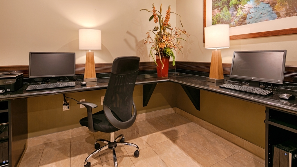 Best Western Plus Zion West Hotel - Stay productive and catch up on work in our Business Center.