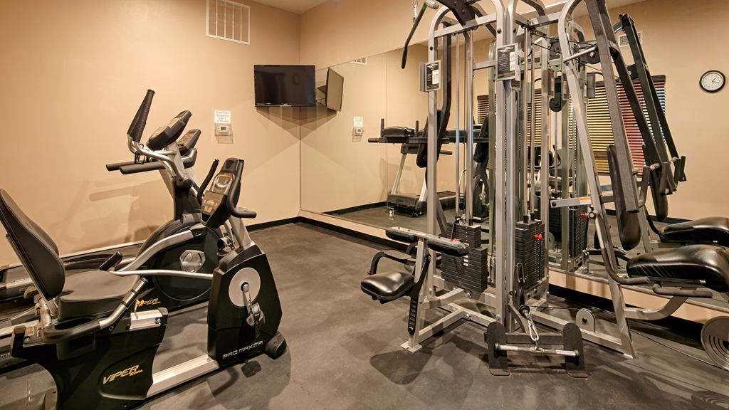 Best Western Plus Zion West Hotel - Maintain your fitness routine while staying with us in our fitness center.