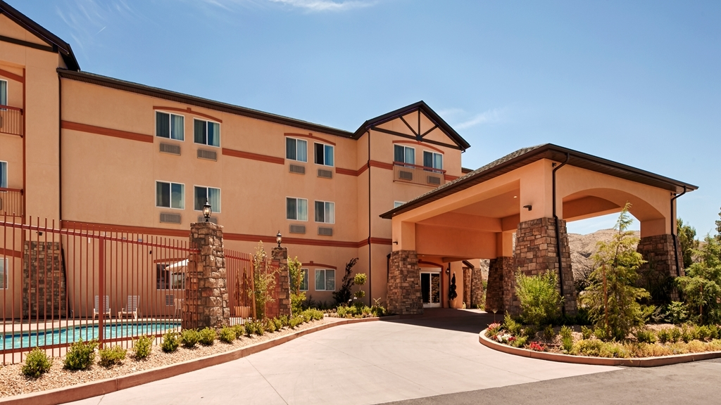 Best Western Plus Zion West Hotel - Discover the best of La Verkin, Utah and enjoy your stay at the Best Western Plus Zion West Hotel.