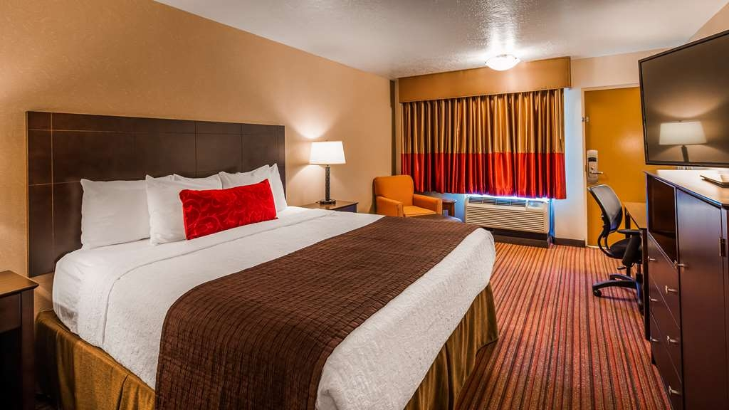 Best Western Plus Cedar City - Enjoy a relaxing nights stay in one of our amazing King Rooms.