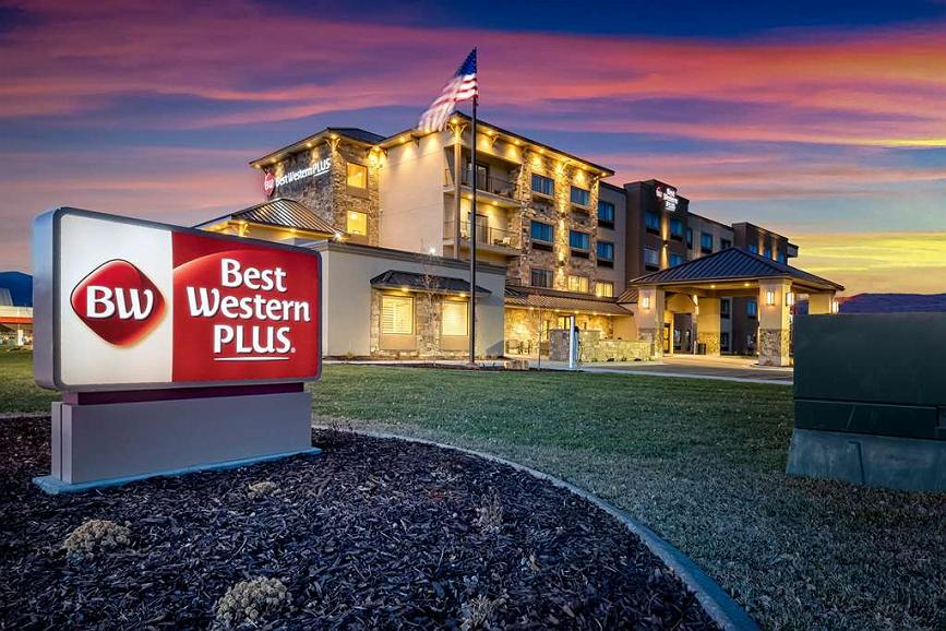 Best Western Plus Heber Valley Hotel - Sunsets are frequent in the Heber Valley.