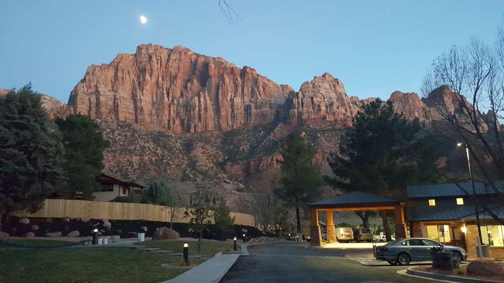 Best Western Plus Zion Canyon Inn & Suites - Hotel Exterior