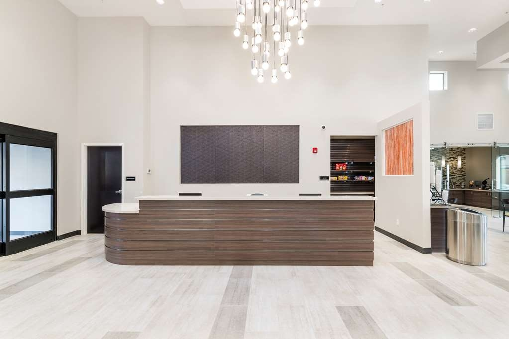 Best Western Plus Zion Canyon Inn & Suites - Front Desk