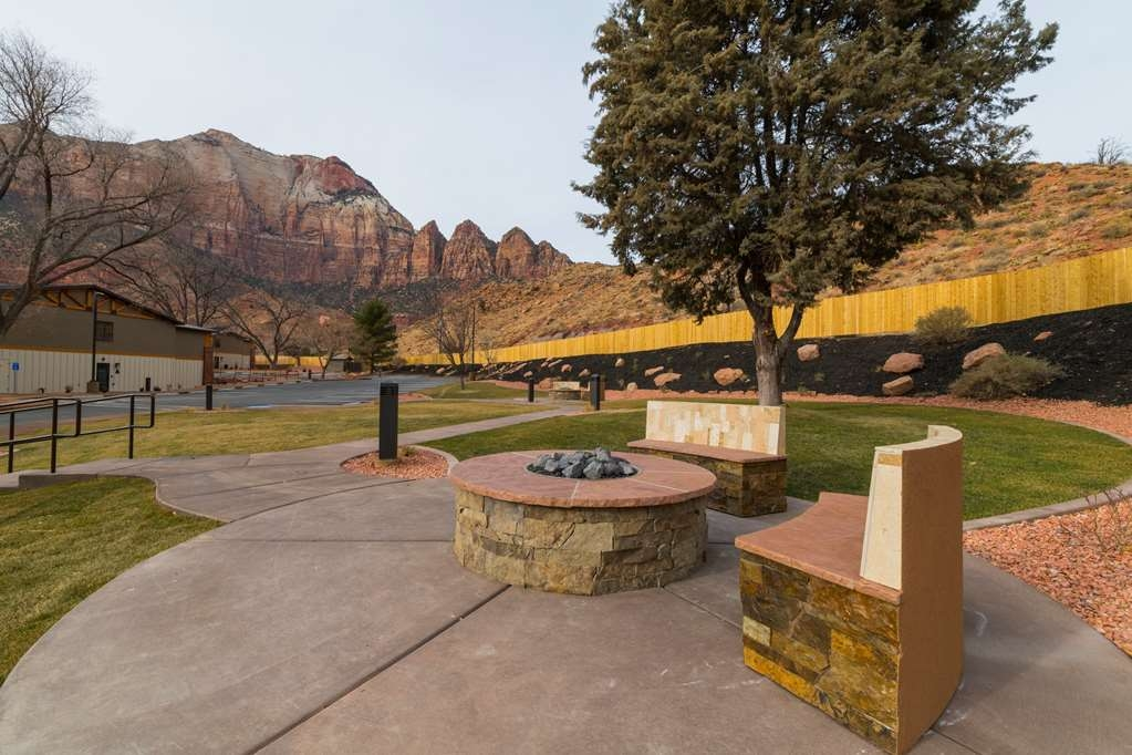 Best Western Plus Zion Canyon Inn & Suites - Outdoor Fire Pits