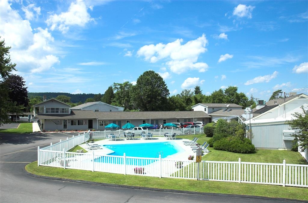 Best Western Bennington - Piscina