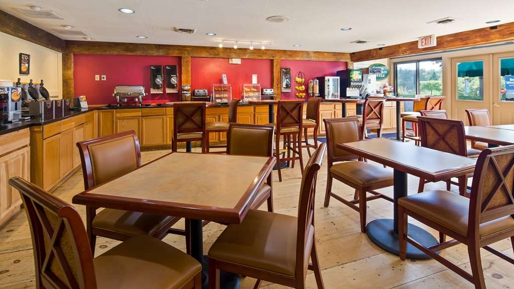 Best Western Inn & Suites Rutland-Killington - Enjoy our complimentary hot buffet breakfast each morning.