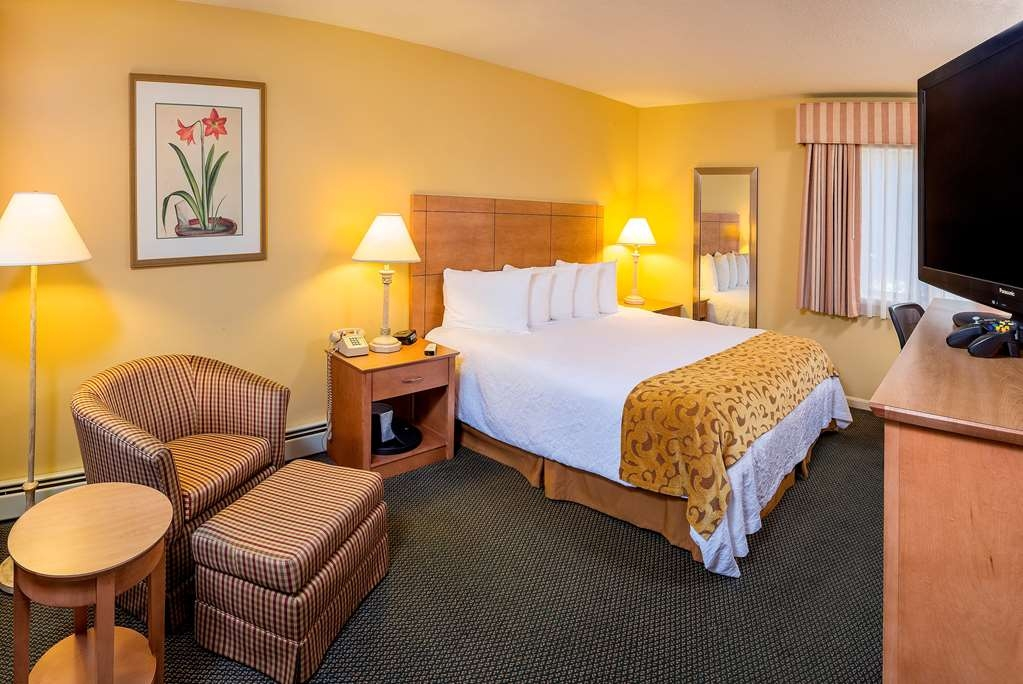 Best Western Inn & Suites Rutland-Killington - Our guest rooms are comfortable, furnished and spacious. Enjoy your stay at this beautiful Vermont hotel near Killington Resort.