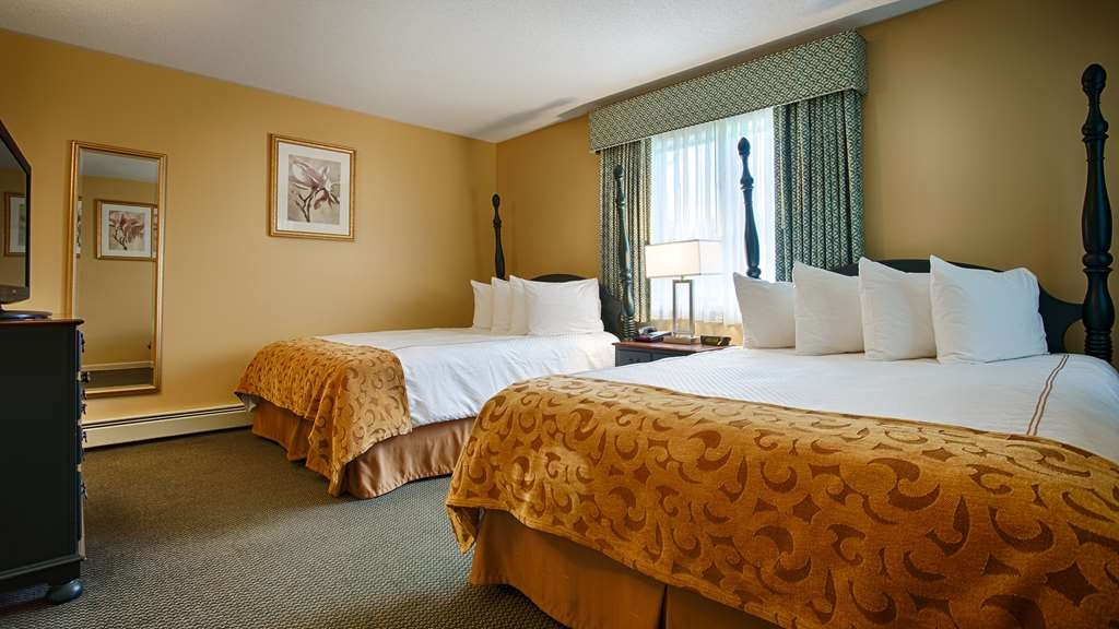 Best Western Inn & Suites Rutland-Killington - If you're bringing your family along, make a reservation in this spacious queen suite.