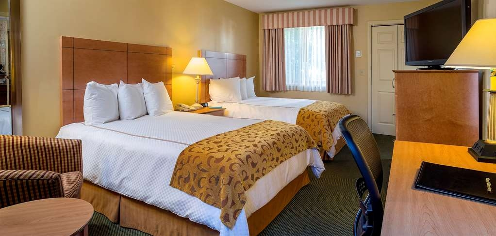 Best Western Inn & Suites Rutland-Killington - Conveniently located near the ski slopes, this Killington hotel offers complimentary breakfast.