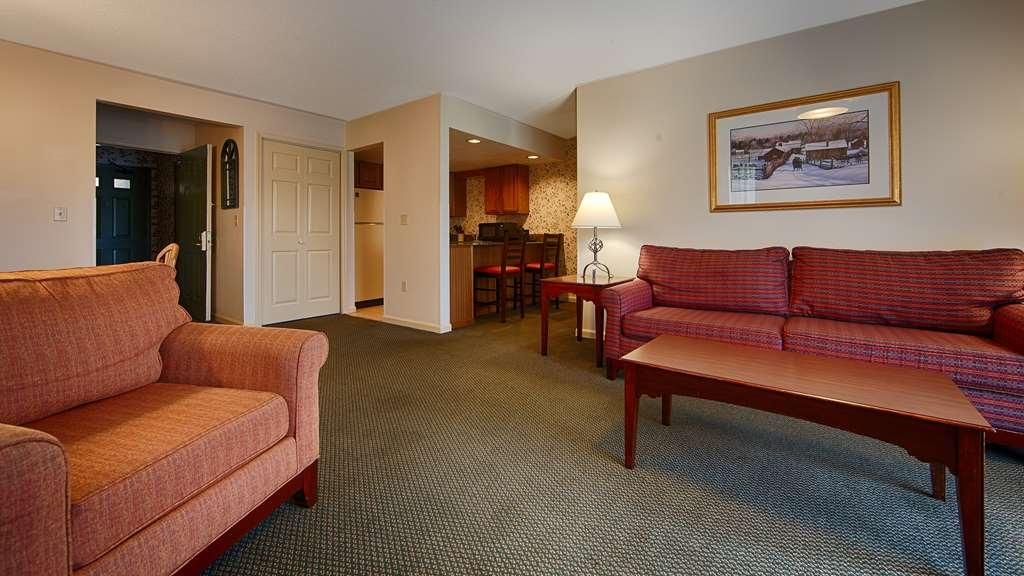 Best Western Inn & Suites Rutland-Killington - Spacious suites with full size kitchens are available. Some with balconies.