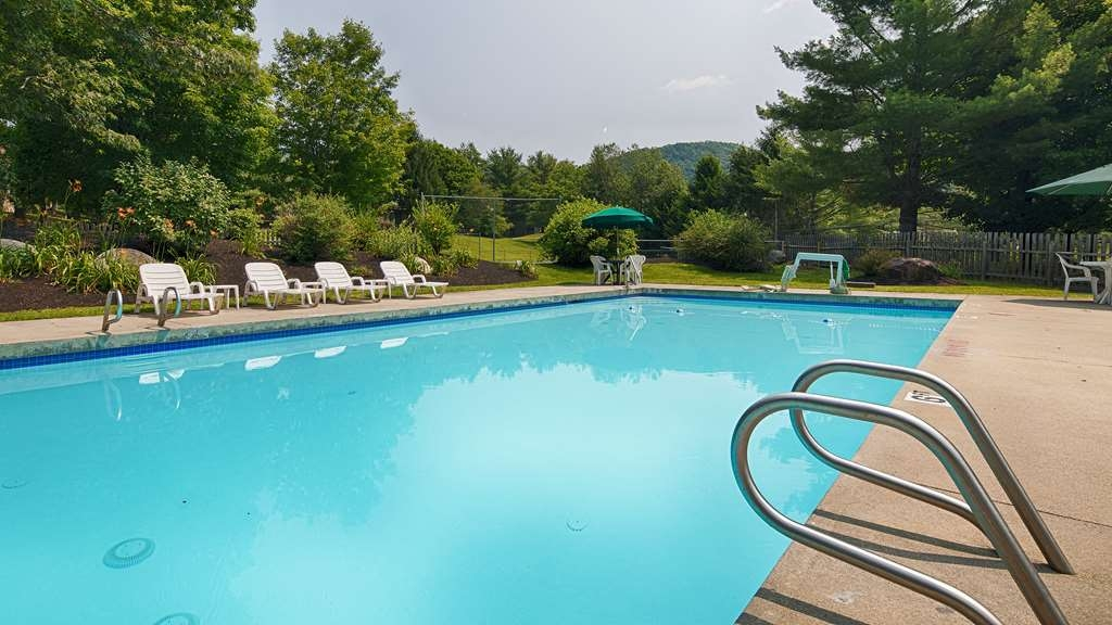 Best Western Inn & Suites Rutland-Killington - Enjoy our seasonal, outdoor, heated pool. Rutland, Vermont.
