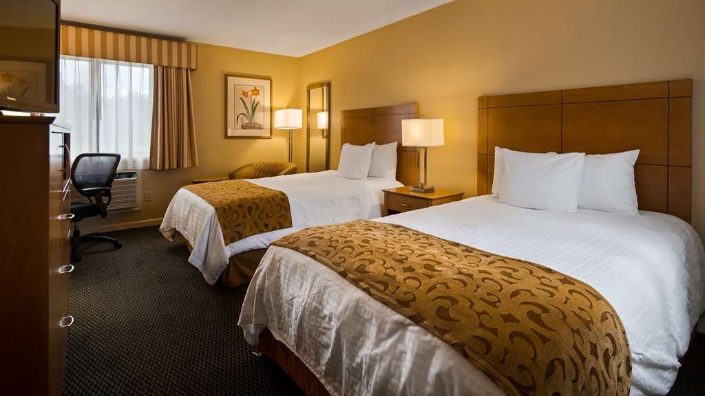 Best Western Inn & Suites Rutland-Killington - Two double bed Guest Room
