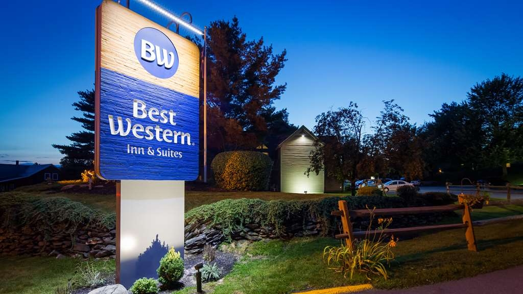 Best Western Inn & Suites Rutland-Killington - Looking for hotels in Rutland, VT offering the best service, quality and amenities? Look no further than the Best Western Inn & Suites Rutland-Killington.