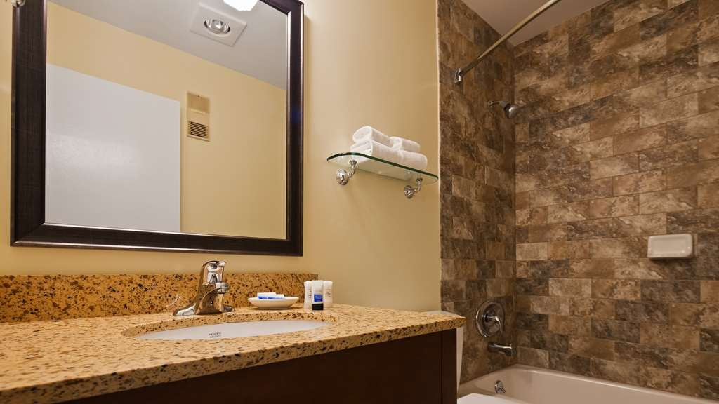 Best Western Plus Windjammer Inn & Conference Center - Chambres / Logements