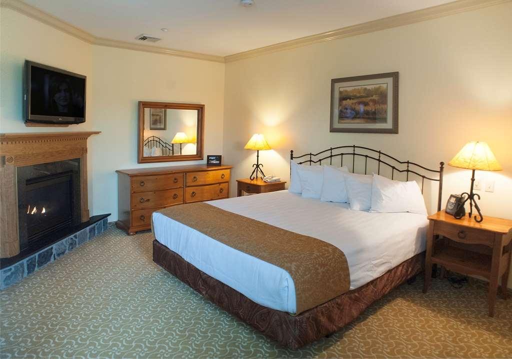 Best Western Plus Waterbury - Stowe - King Bed Mobility Accessible Suite