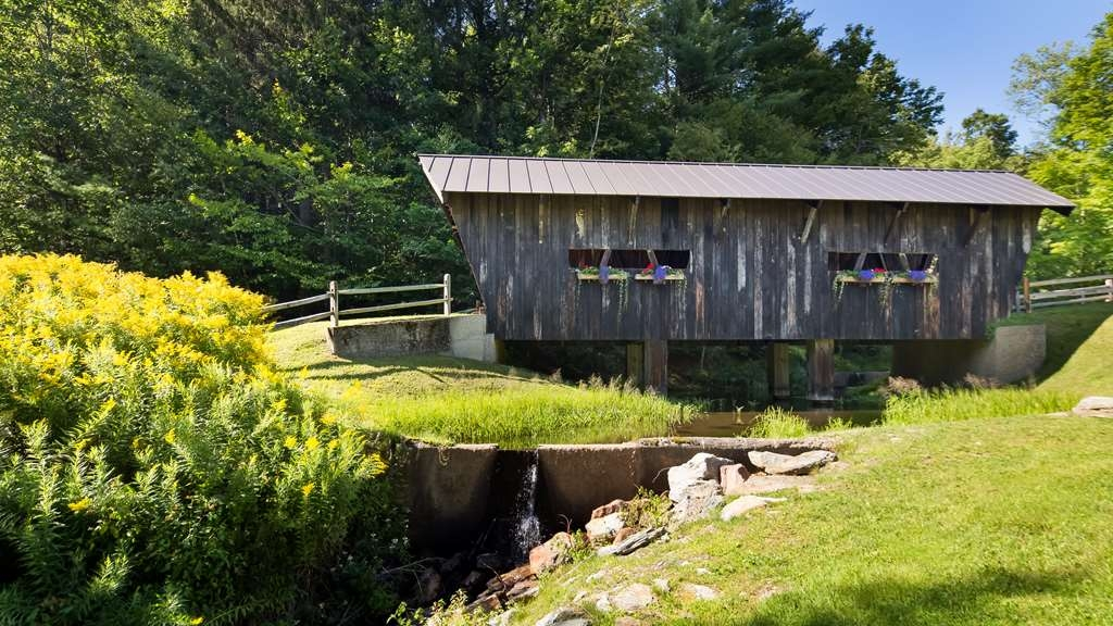 Best Western Plus Waterbury - Stowe - Visit our own private, covered bridge.