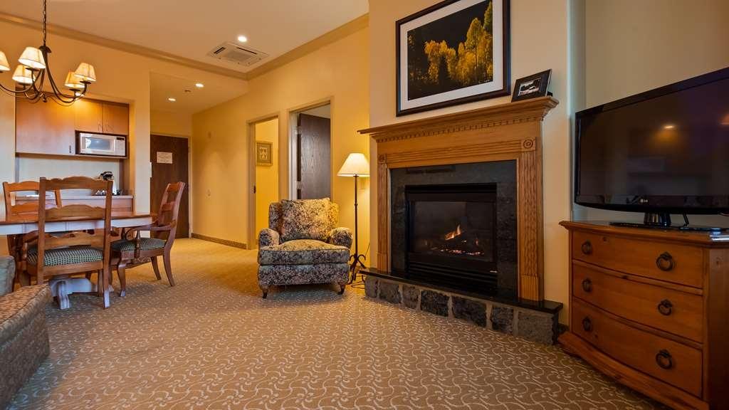 Best Western Plus Waterbury - Stowe - King Suite - Mobility Accessible