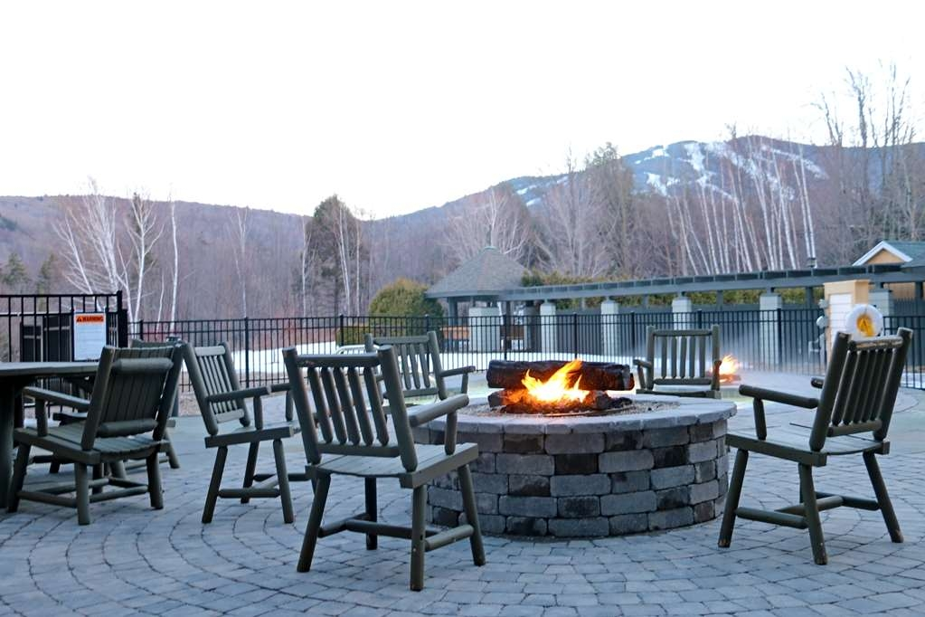 Killington Mountain Lodge, BW Signature Collection - Outside Fire Pit