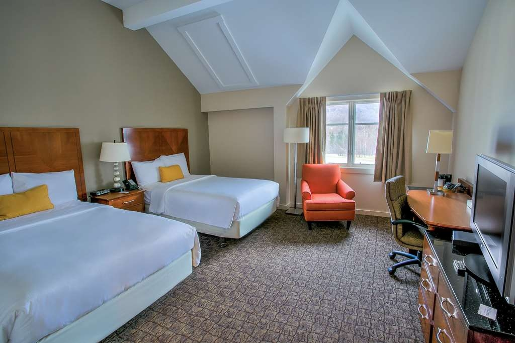 Killington Mountain Lodge, BW Signature Collection - Two Double Bed, Top Floor, Vaulted Ceiling