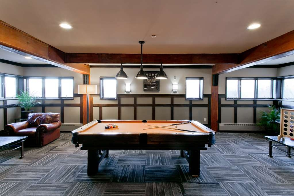 Killington Mountain Lodge, BW Signature Collection - Billiards Table