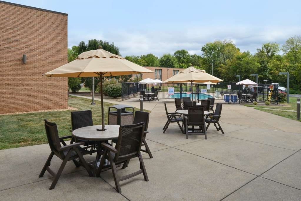 Best Western Leesburg Hotel & Conference Center - Terrasse im Freien