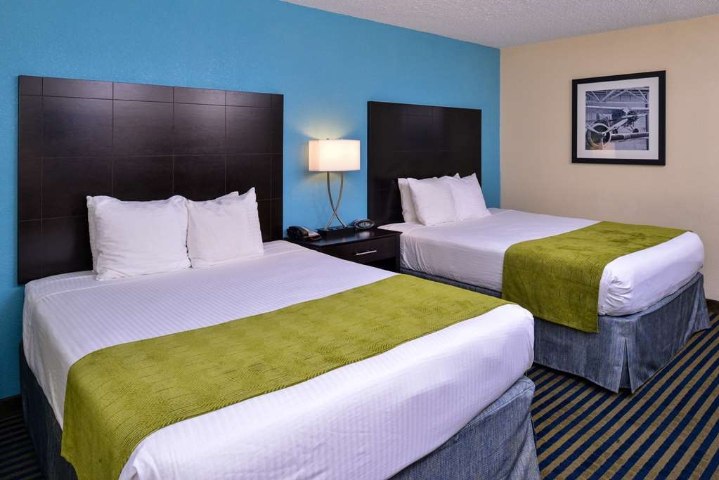 Best Western Leesburg Hotel & Conference Center - Sink into our comfortable beds each night and wake up feeling completely refreshed.