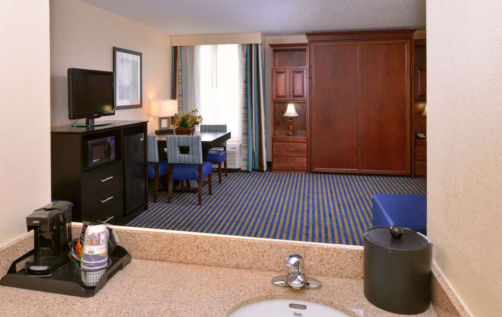 Best Western Leesburg Hotel & Conference Center - Suite
