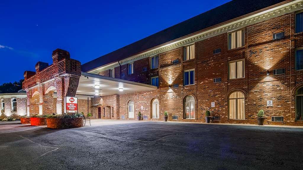 Best Western Plus Governor's Inn - Vista exterior
